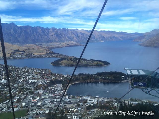 搭空中纜車俯瞰整個美景