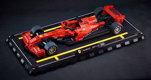 Final tuned / LEGO Ferrari Concept machine SF-0