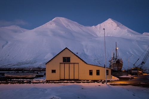 "Gamli slippur á máimiðnætti • <a style=""font-size:0.8em;"" href=""http://www.flickr.com/photos/22350928@N02/49662249178/"" target=""_blank"">View on Flickr</a>"