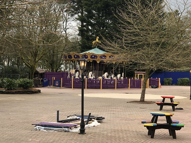 Royal Carousel construction