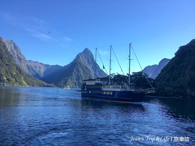real Journeys 船公司