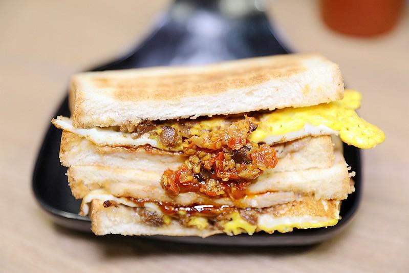多士號台北信義店炭烤吐司 芋泥吐司 肉蛋吐司早午餐098