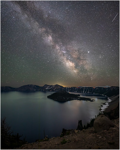 Milky way at Crater Lake by Steve Ornberg