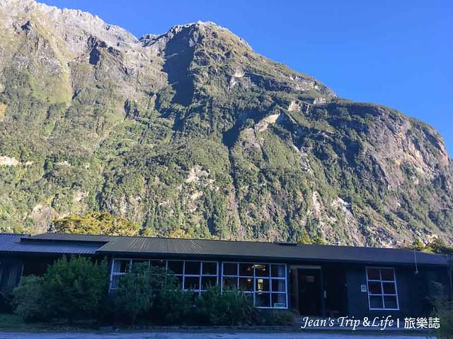 Milford Sound Lodge 是米佛峽灣唯一的住宿