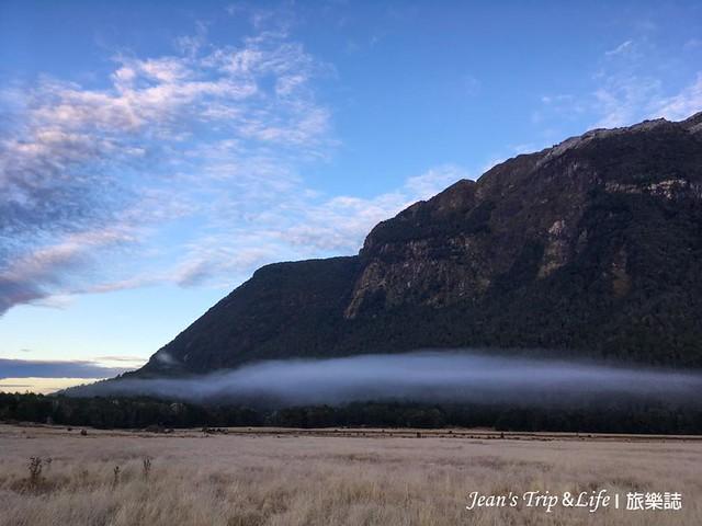 霧氣繚繞的美景是艾格林頓峽谷 Eglinton Valley 最大特色