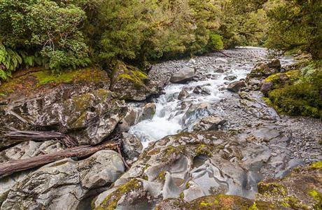 風景非常優美的查森溪谷 The Chasm