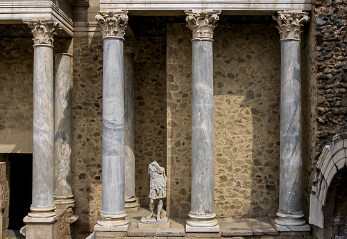 E4141-Columnas teatrales romanas (marmóreas)