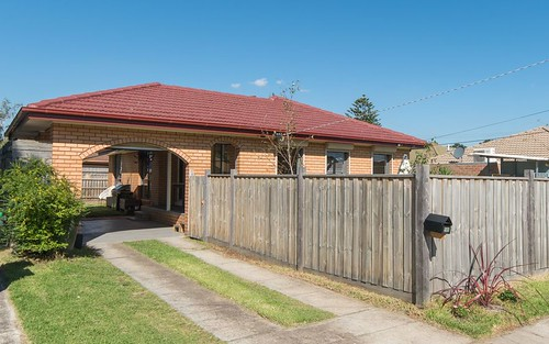18 Downs Road, Seaford VIC