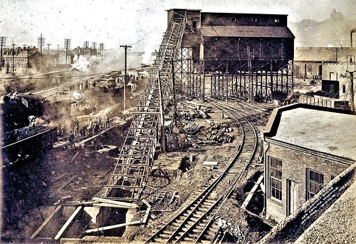 Coaling machine is complete. A large ramp connects the tower with a pit in the ground 1-1905