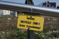 Caution: Neutral Zone!! (no ground connection)
