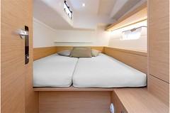 grand-soleil-42-lc-interior-(9)-boat-barco