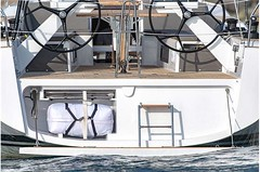 grand-soleil-42-lc-exterior-(5)-boat-barco
