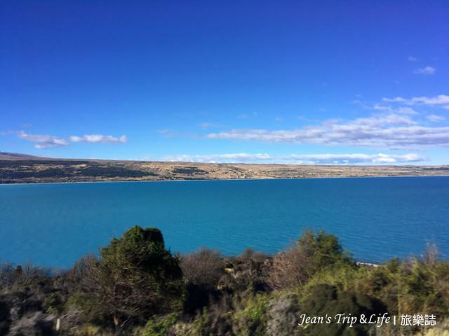 普卡基湖擁有牛奶藍般的色澤