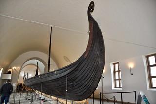 "Origineel Vikingschip, ""the Oseberg Ship"" in het Vikingschip Museum Oslo, Noorwegen."
