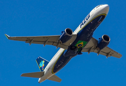 PR-YYE Airbus A320-251N  Azul Linhas Aéreas  Aeroporto Internacional do Recife  (REC/SBRF)