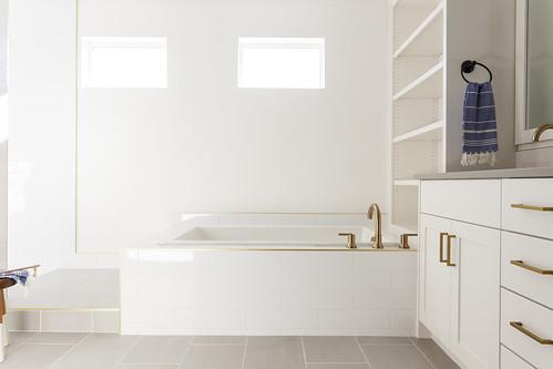 Hudson 1_master bath_38
