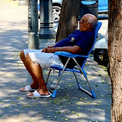 The man and his chair - Valencia
