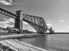 Photo of Forth Rail Bridge (black and white)