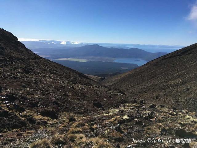 可以看見美麗的羅托艾拉湖