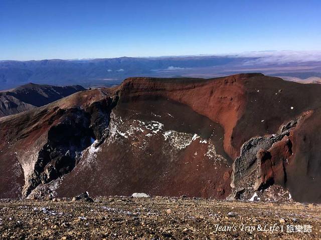 火紅色非常壯觀的紅火山口