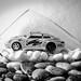 Porsche im Glas.