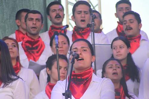 #Bellaciao 🌹 #HelinBolek #cantante #GrupYorum 🎶 #scioperodellafame #228 #giorni #chiedevano di #essere #liberati dal #carcere #accusati di #terrorismo da #partito #akp #erdogan  🎥#elettritv💻📲 #musicaoriginale #webt