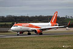 Photo of G-EZGY Airbus A.320-214, easyJet, Bristol Airport, Lulsgate Bottom, Somerset