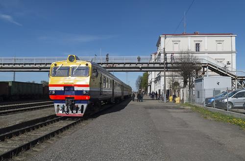 Dīzeļvilciens DR1AM Liepājas dzelzceļa stacijā, 06.05.2018.