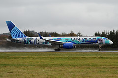 Photo of N14102 Boeing B757-224 EGPH 07-11-19