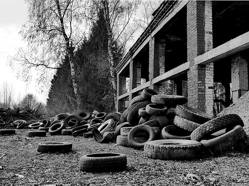 it is a lot of car tires ©  Sergei F
