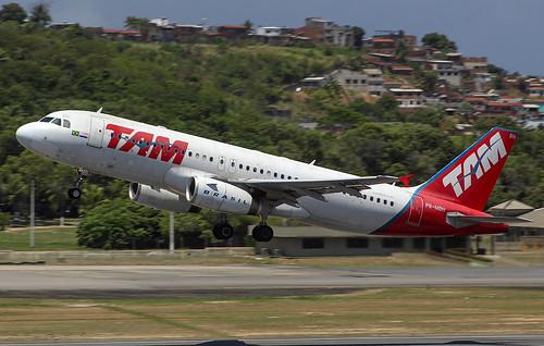 PR-MBH Airbus A320-232 Aeroporto do Recife (REC/SBRF)