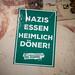 Sticker mit linker politischer Botschaft