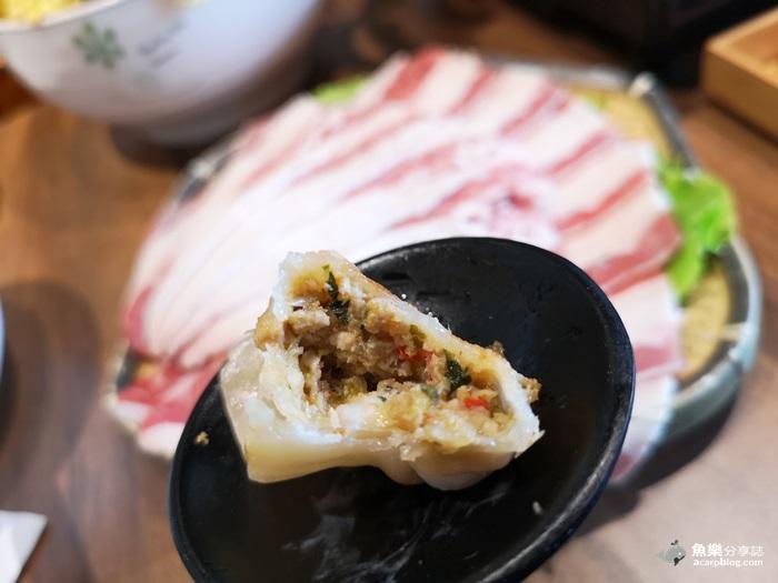 【台北中山】老椰兄新泰式料理-ATT大直店│一個人吃泰式料理也可以│鴛鴦小火鍋超可愛 湯濃料多味美 @魚樂分享誌