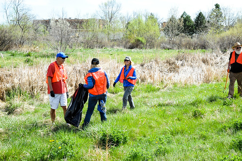 Photo - Volunteer clean up project