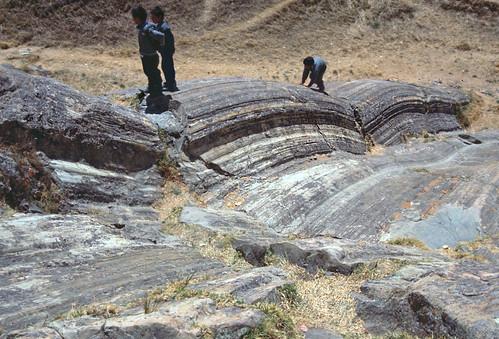 Estrías en plano de falla plegado - Sacsayhuamán (Perú) - 12