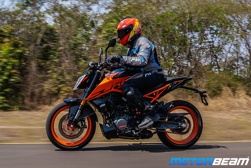 2020-KTM-Duke-200-BS6-32