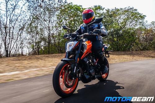 2020-KTM-Duke-200-BS6-30