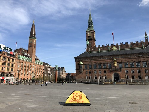 """ISOLATED PEOPLE CAN NOT PROTEST "" CPH 12/4/2020"