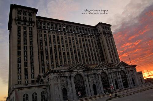 photo of the detroit michigan train station