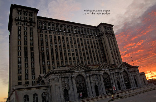 photo of the detroit michigan train station