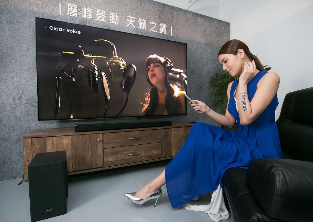 【新聞照片6】 三星電視首創「魔幻音場」技術,能整合電視揚聲器與Q系列Soundbar同步輸出音源,創造動態層次的強大立體環繞音場。