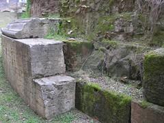Mausoleo di Lucilio Peto_08
