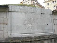 Mausoleo di Lucilio Peto_05