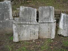 Mausoleo di Lucilio Peto_04
