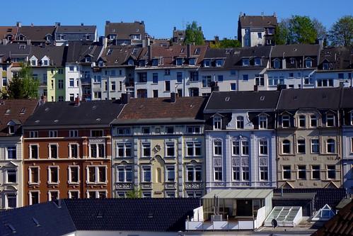 Häuser am Berg / houses on the mountain