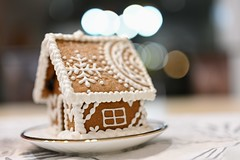 Gingerbread house bokeh
