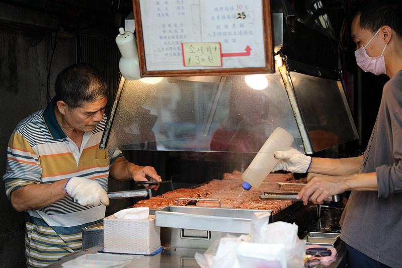 黃家香腸皇家現烤香腸台北泉州街高人氣美食06