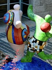 Les Baigneuses (1985) - Niki de Saint Phalle (1930-2002)