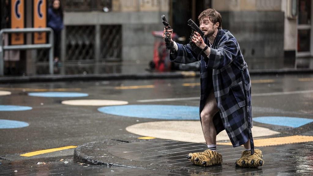 《玩命Online:雙槍對決》玩命槍戰遊戲,哈利脫褲上陣