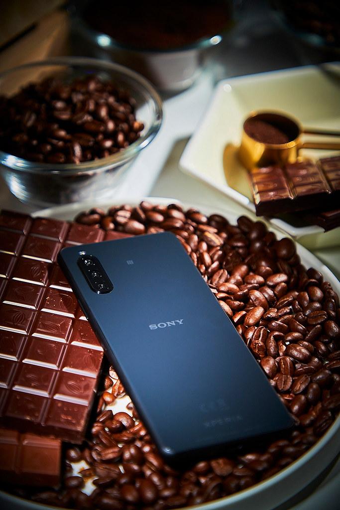 圖說七、Xperia-10-II推出可可黑、奶油白、薄荷綠、莓果藍四款美色,個性時尚與清新甜美風格隨心挑選!